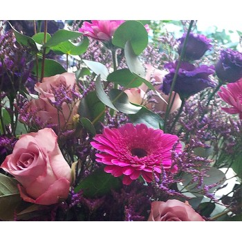 Gerbera, lisianthus, roses, available all year round