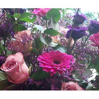 Gerbera, Lisianthus, Roses
